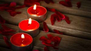 candles-1714800_640