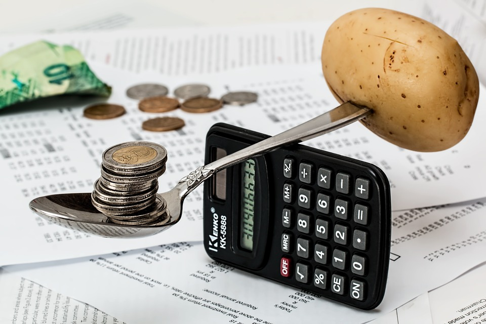 法人税の計算はどうやってするの?知っておくべき法人税率と益金と損金について