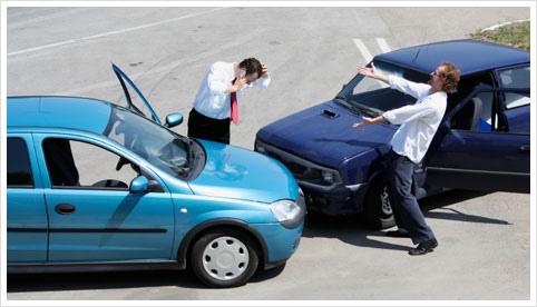交通事故が発生した場合の保険は?自動車保険と保険金が支払われるまでの流れについて