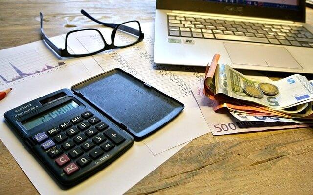 加入している保険で税金が控除されるの?わかりやすく説明します!
