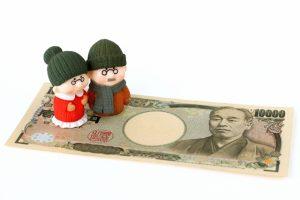 お金と人形