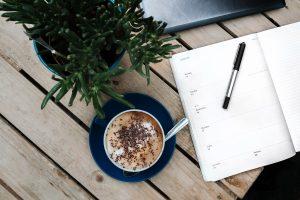 コーヒーとスケジュール帳