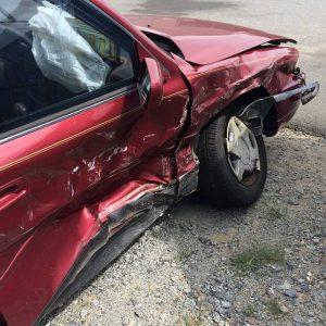 自動車側面破損