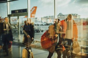 空港と人々