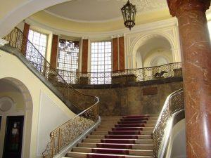 豪邸のホール
