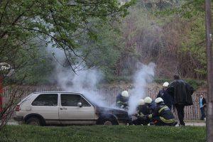 自動車事故の現場
