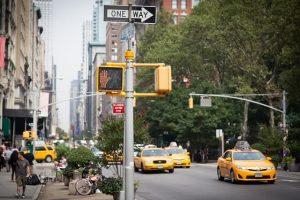 海外の街並みと信号機