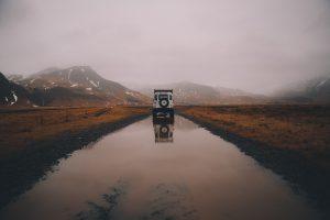大自然と自動車