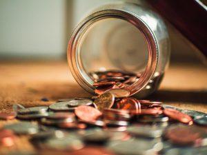 瓶から出るコイン